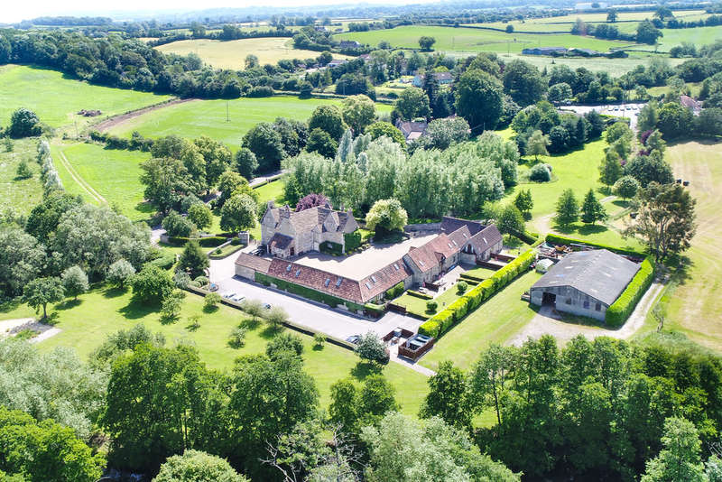 7 Bedrooms House for sale in Attractive farmhouse; barns converted to 7 self-catering cottages; 15 acres; river frontage