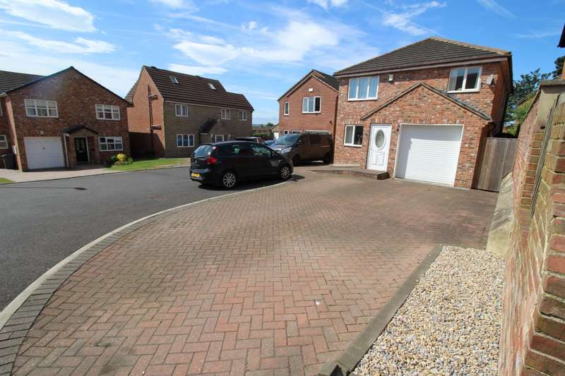 4 Bedrooms Detached House for sale in Tolson Street, Ossett, West Yorkshire, WF5