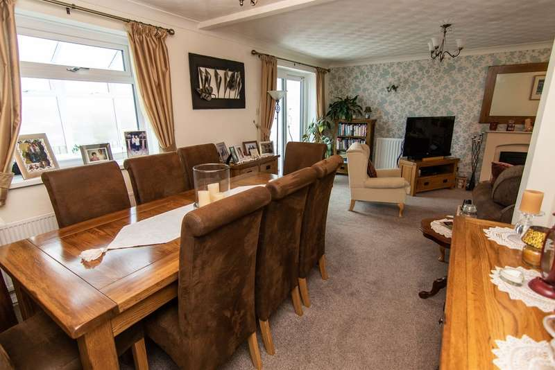 4 Bedrooms Detached House for sale in Cae Bryn, Abertridwr, CAERPHILLY