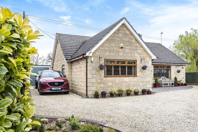 2 Bedrooms Detached Bungalow for sale in Gretton Fields, Nr Winchcombe
