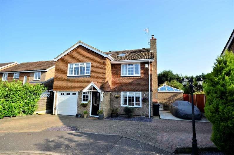 5 Bedrooms Detached House for sale in Homelands Grove Ramsden Heath Billericay