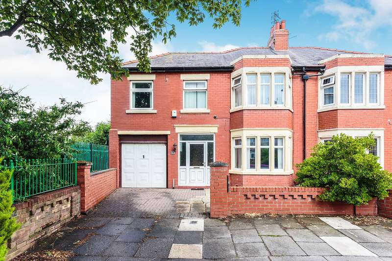 4 Bedrooms Semi Detached House for sale in Prestbury Avenue, Blackpool, FY4