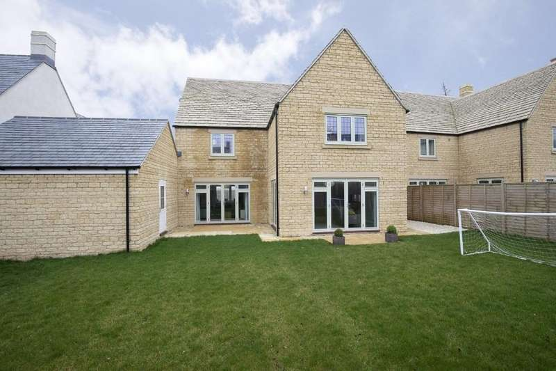5 Bedrooms Detached House for sale in Upper Rissington, Gloucestershire