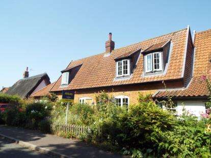 3 Bedrooms Semi Detached House for sale in Great Hockham, Thetford, Norfolk