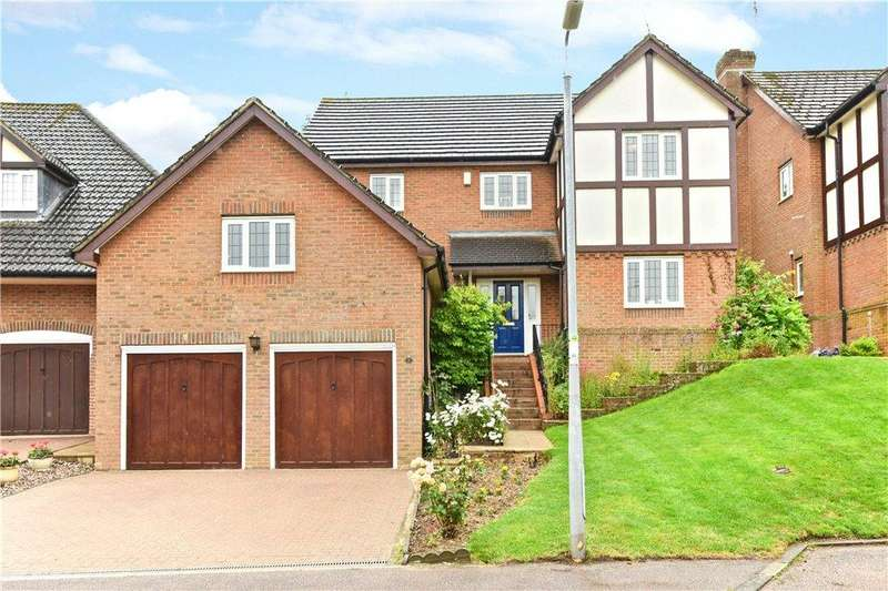 4 Bedrooms Detached House for sale in Wentworth Gardens, Toddington, Dunstable, Bedfordshire
