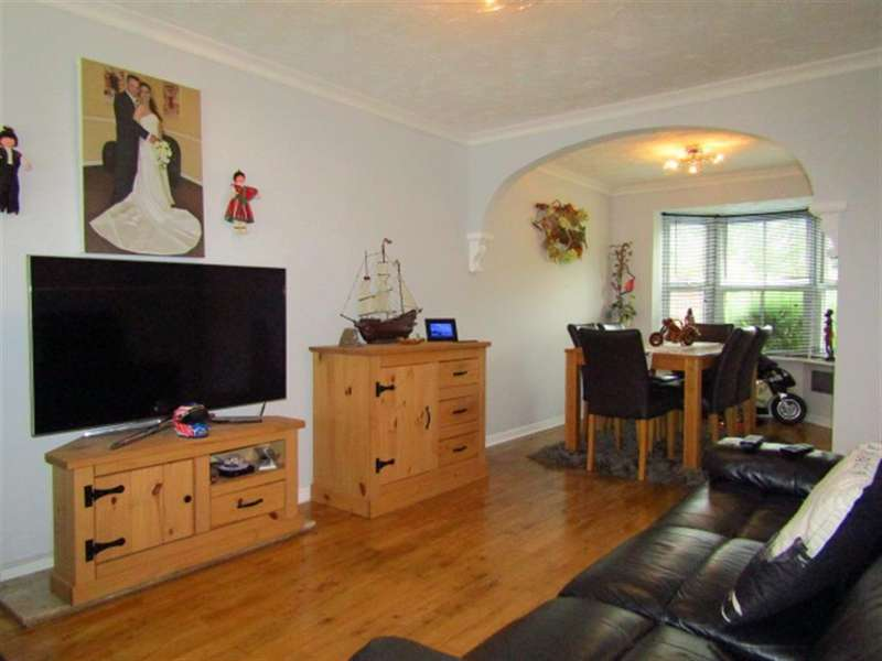3 Bedrooms Terraced House for sale in Moundsfield Way, Slough, SL1 5UL