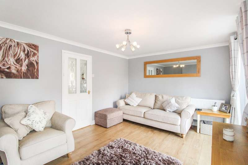 3 Bedrooms Semi Detached House for sale in Hazel Walk, Caerleon, Newport, NP18