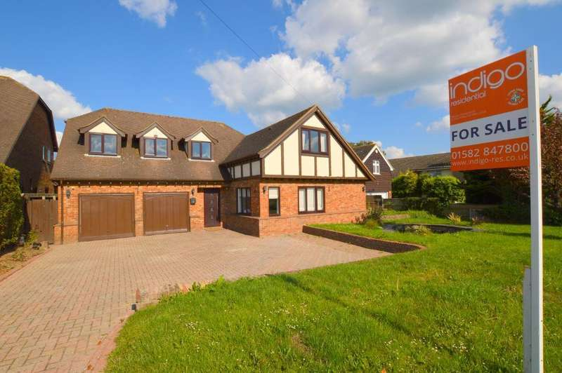 5 Bedrooms Detached House for sale in Sundon Road, Streatley, Bedfordshire, LU3 3PL