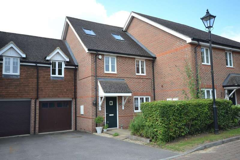 5 Bedrooms Semi Detached House for sale in Little Woodcote Close, Caversham Heights, Reading