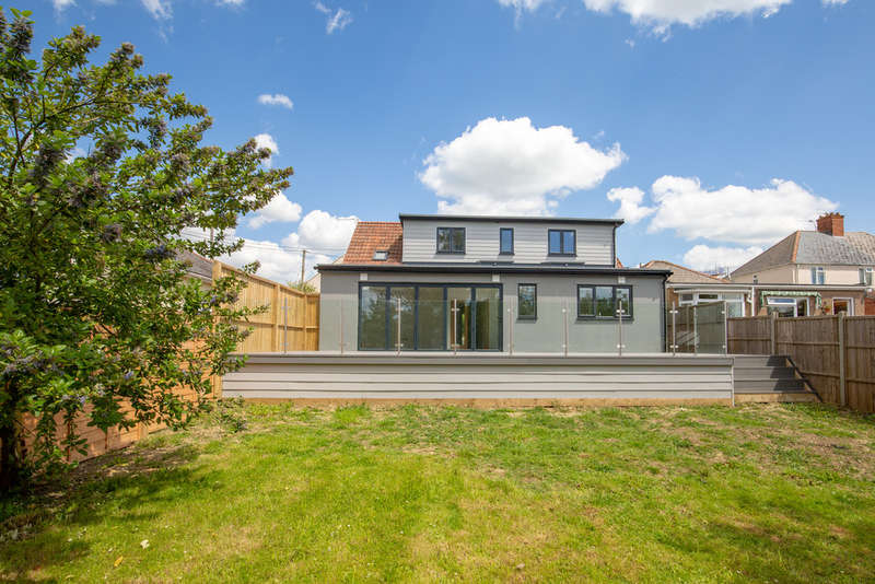 4 Bedrooms Detached House for sale in Station Road, Castle Cary