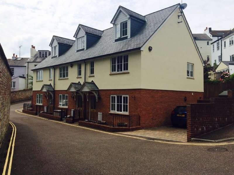 3 Bedrooms Terraced House for rent in St Leonards