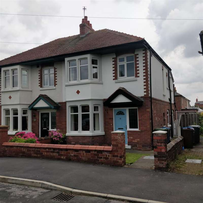 3 Bedrooms Semi Detached House for sale in Tennyson Avenue, Lytham