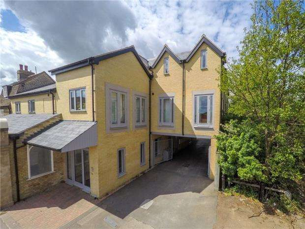 Apartment Flat for sale in Newmarket Road, Cambridge, Cambridgeshire