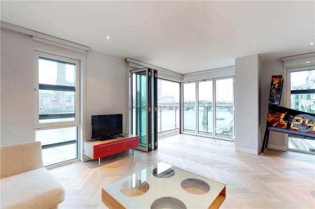 3 Bedrooms Flat for sale in Sir John Lyon House, 8 High Timber Street, London