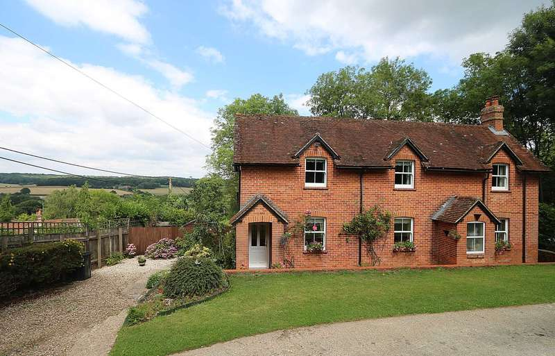 4 Bedrooms Detached House for sale in Rotten Row Hill, Tutts Clump