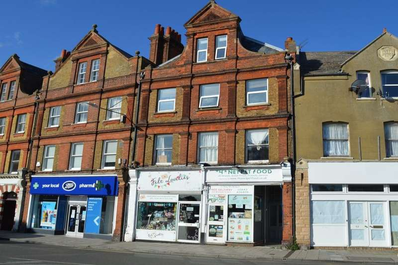 3 Bedrooms Flat for sale in St. Mildreds Road, Westgate-On-Sea, CT8