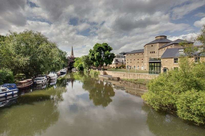 2 Bedrooms Property for sale in The Old Gaol, Abingdon
