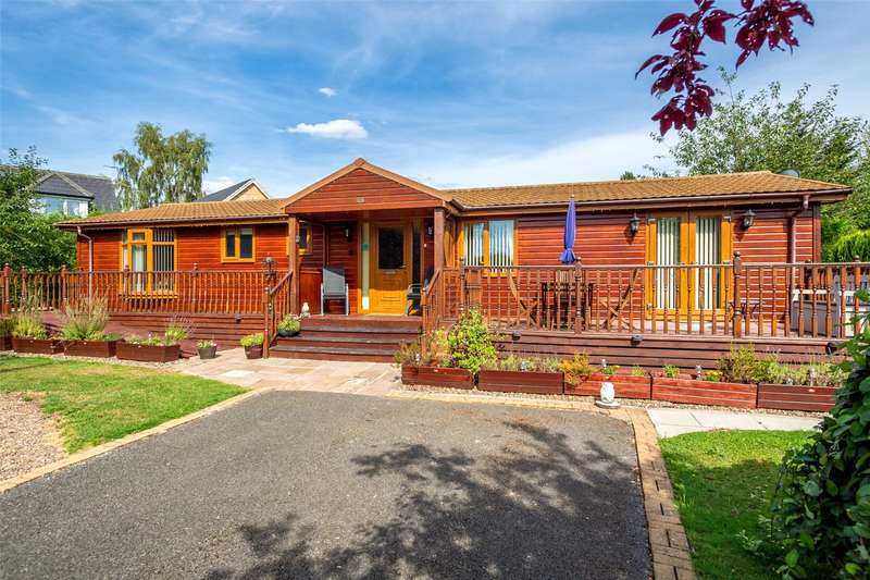 3 Bedrooms Detached Bungalow for sale in Florida Keys, Hull Road, Wilberfoss, York, YO41
