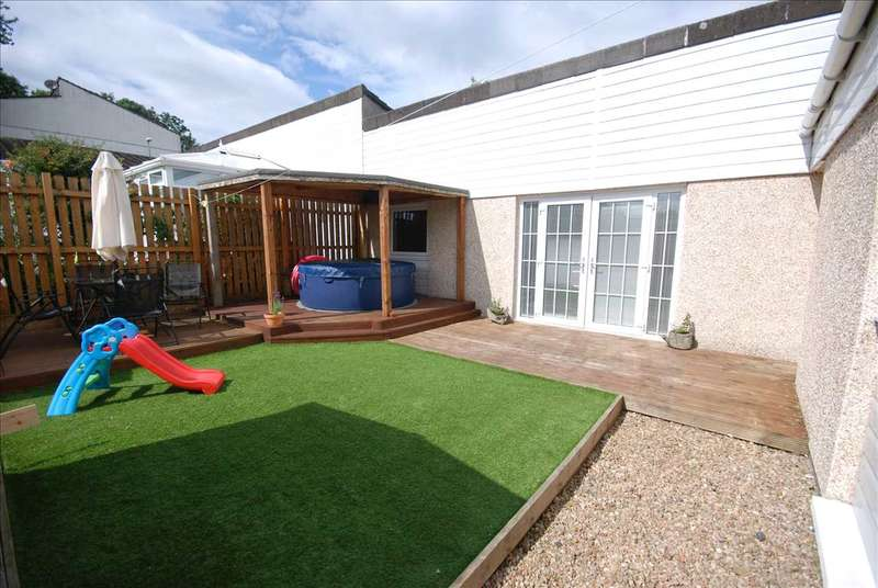 3 Bedrooms Bungalow for sale in Sundrum Place, Kilwinning