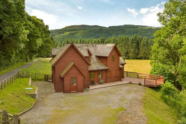 4 Bedrooms Detached House for sale in Guay Lodge, Guay, Ballinluig, Pitlochry, Perthshire, PH9