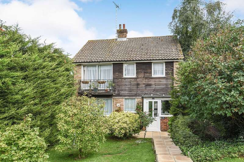 3 Bedrooms Detached House for sale in Quakers Close, Hartley, Longfield, Kent, DA3