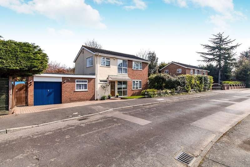 4 Bedrooms Detached House for sale in Studley Crescent, New Barn, Kent, DA3