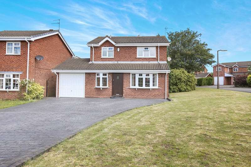 4 Bedrooms Detached House for sale in Richmond Drive, Perton, Wolverhampton, WV6
