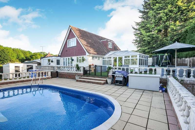 4 Bedrooms Detached House for sale in London Road, West Kingsdown, Sevenoaks, Kent, TN15