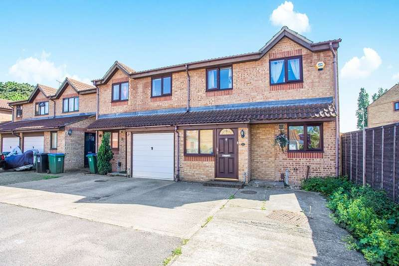 3 Bedrooms Semi Detached House for sale in Pioneer Way, Watford, WD18