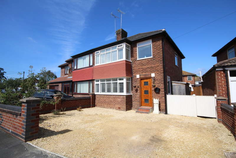 3 Bedrooms Semi Detached House for sale in Alwyn Gardens, Upton, Chester