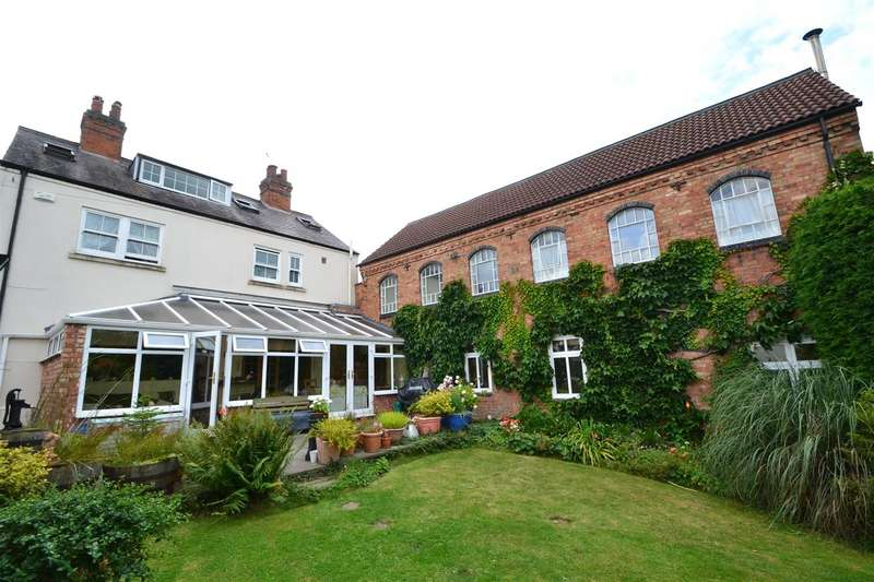 5 Bedrooms Detached House for sale in The Green, Long Whatton, Leicestershire