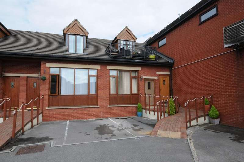 1 Bedroom Flat for sale in High Street, Stonehouse, GL10 2BP
