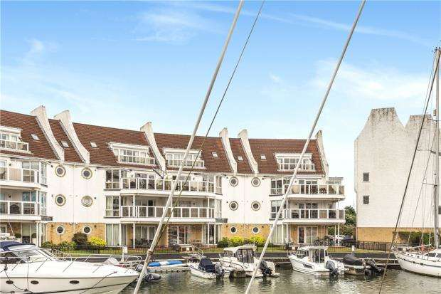 3 Bedrooms Apartment Flat for sale in Moriconium Quay, Lake Avenue, Poole