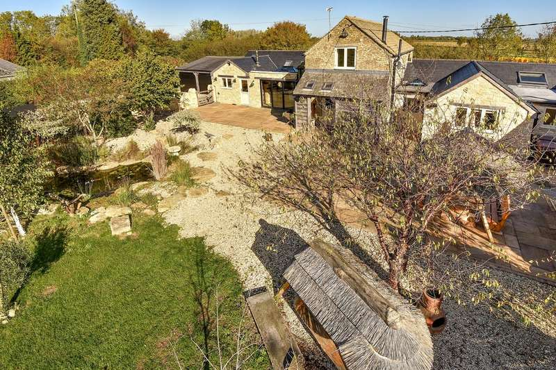 4 Bedrooms Detached House for sale in South Cerney