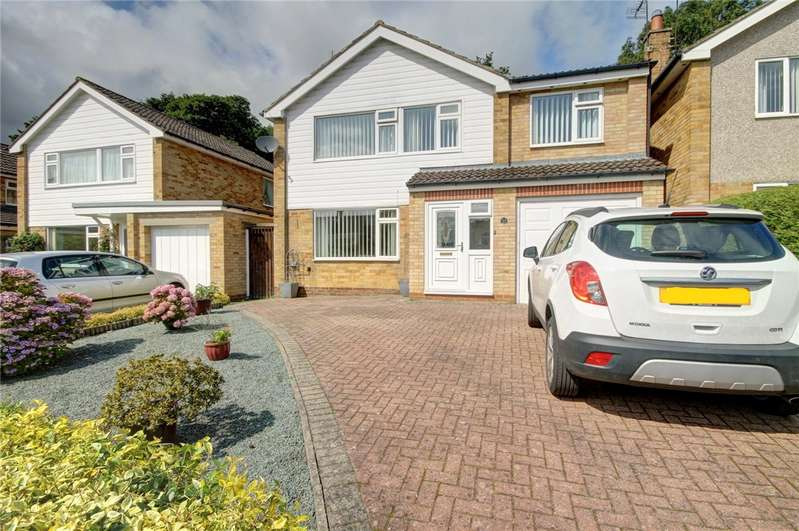 4 Bedrooms Detached House for sale in Pinewood Crescent, Heighington Village, Newton Aycliffe, DL5