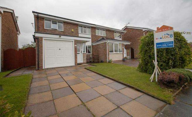 3 Bedrooms Semi Detached House for sale in Charlesworth Close, Lydiate