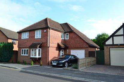 4 Bedrooms Detached House for sale in Talbot Village, Poole, Dorset