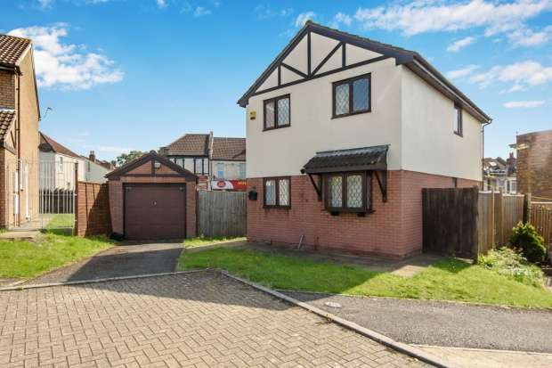 4 Bedrooms Detached House for sale in School Walk, Bristol, Avon, BS5 7BY