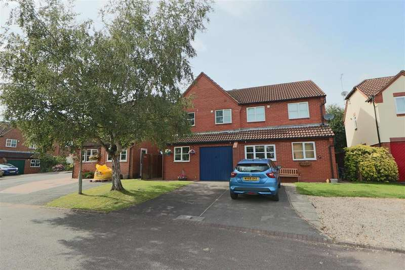 3 Bedrooms Semi Detached House for sale in Newent
