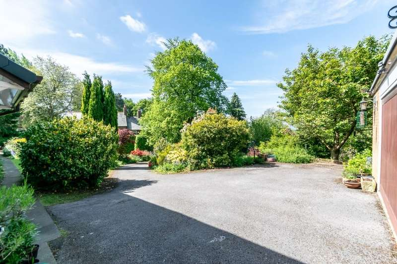 4 Bedrooms Detached House for sale in Tarvin Road, Frodsham, WA6