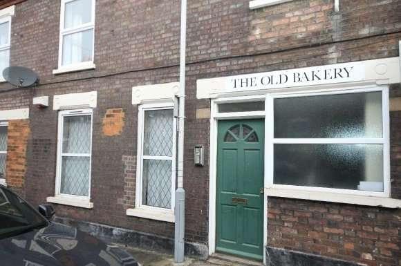 3 Bedrooms Flat for rent in Cowper Street, Luton