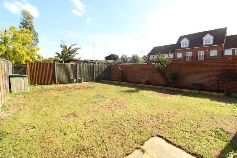 3 Bedrooms Property for sale in Dickens Close, ERITH, DA8