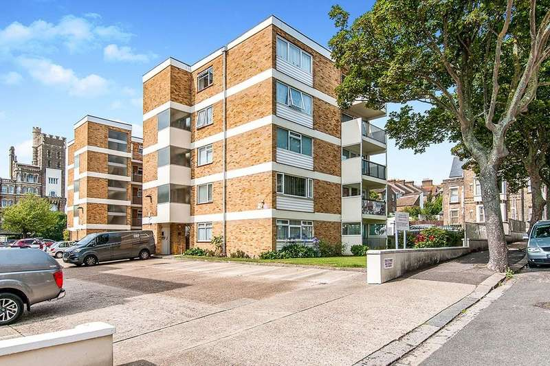 2 Bedrooms Flat for sale in North Gateway Court Truro Road, Ramsgate, CT11