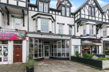 4 Bedrooms Retail Property (high Street) Commercial for sale in Mostyn Avenue, Llandudno, Conwy, LL30