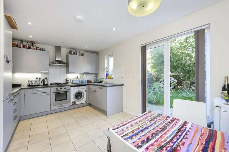 4 Bedrooms House for rent in Calypso Crescent, London SE15