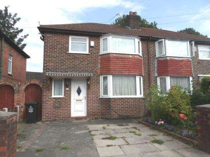 3 Bedrooms Semi Detached House for sale in Irwin Road, Broadheath, Altrincham, Greater Manchester