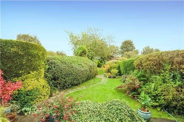 2 Bedrooms Terraced House for sale in Hallen Road, Henbury, Bristol, BS10 7RB