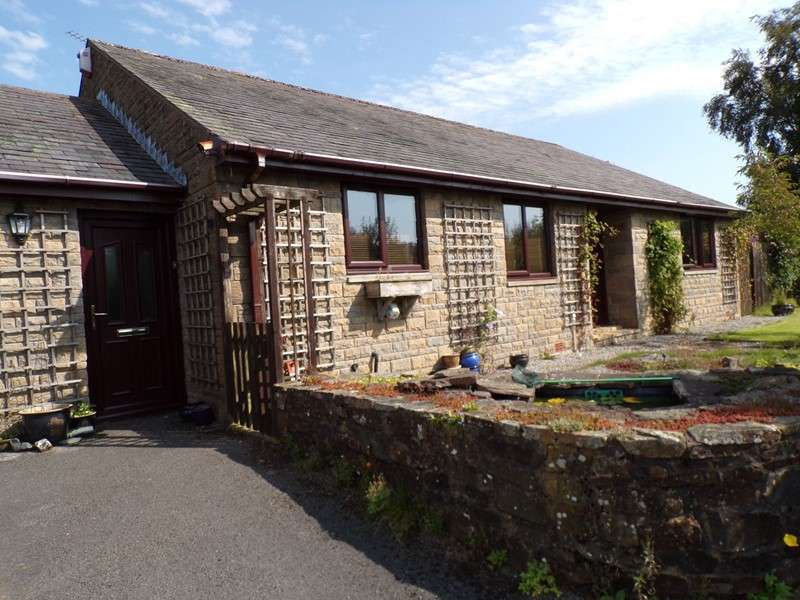 3 Bedrooms Bungalow for sale in Irthing Park, Gilsland, Brampton, Northumberland, CA8 7DL