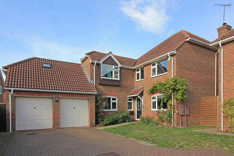 5 Bedrooms Detached House for sale in Lodge Close, Cheddington