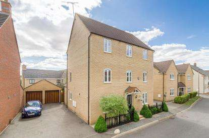 6 Bedrooms Detached House for sale in Lockhart Avenue, Oxley Park, Milton Keynes, Buckinghamshire